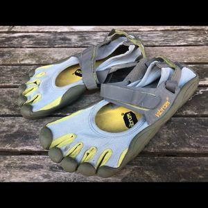 Vibram five finger shoes barefoot running shoes